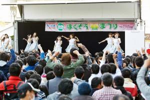 春まつり2016ステージ_(2)